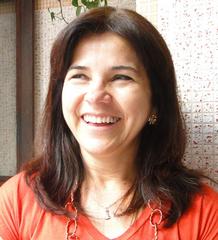 Mônica V. Lopes